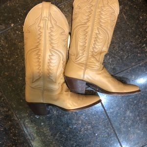 JUSTINS Women's cowgirl boots size 6.5 USED